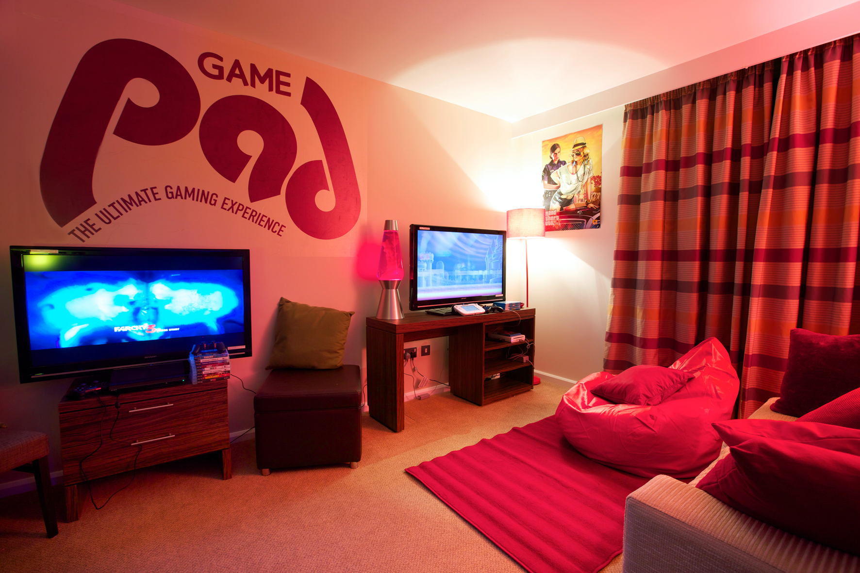 Hotel Launches The Perfect Room For Gaming Fans   With THREE ...