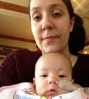 Amy Carter, 24, with her daughter Bella, who died after disgracefully inadequate NHS paramedics got lost on the way to her home and then joked as the tot lay unresponsive