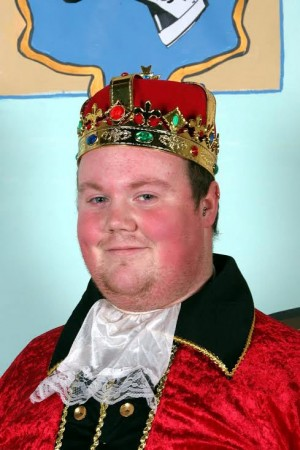 Jamie Tuthill as a chubby actor