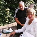 Avril Chadwick and husband Thomas in 2007. Avril died in hospital and her family never received the call after nurses mixed up telephone numbers