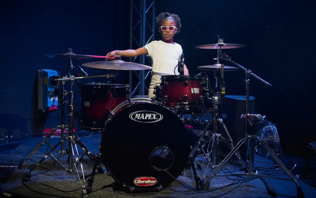 SWNS_BEYONCE_DRUMMER_04