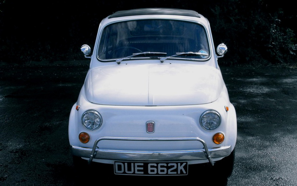 The modest Fiat 500 previously owned by David Cameron which could fetch £10k when sold at auction