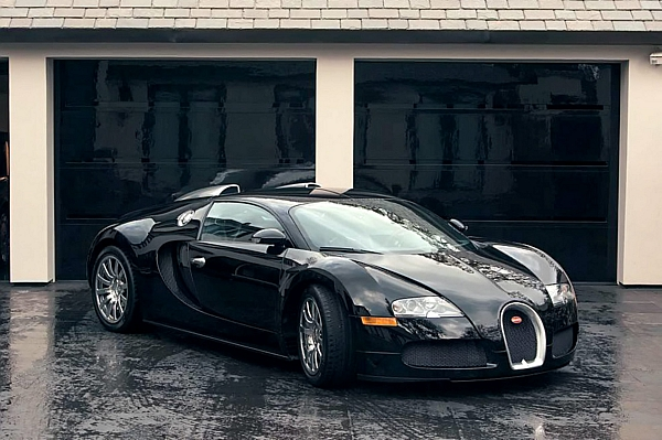 Simon Cowell's Bugatti which he has spent £1m on but is expected to sell for £600k