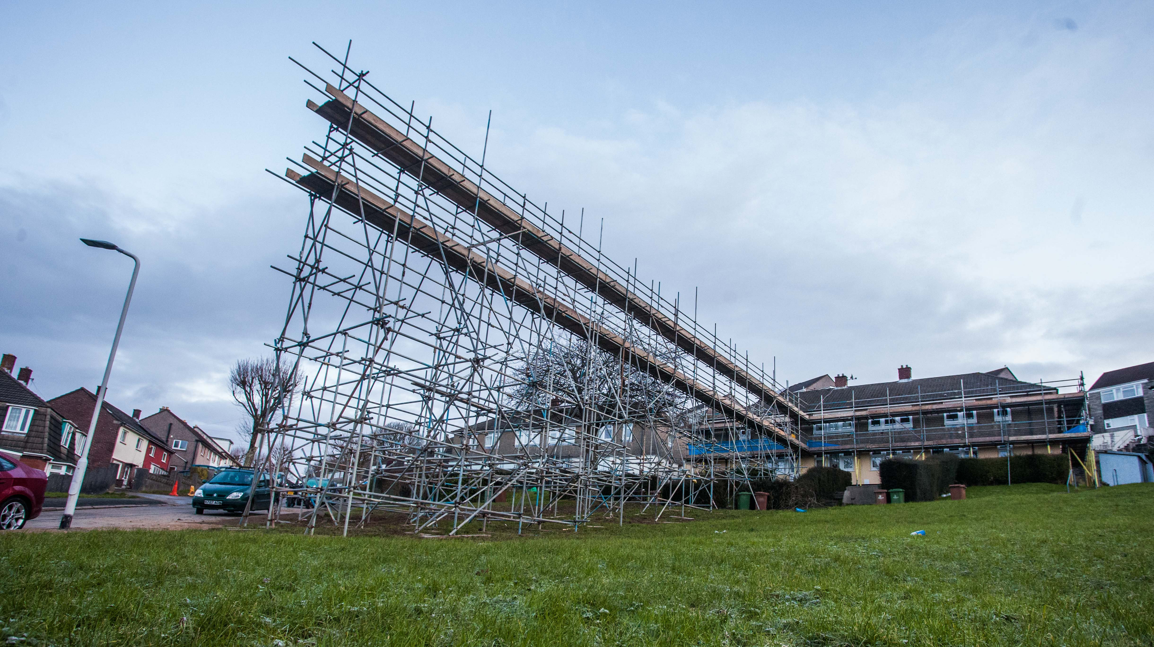 30 Foot Scaffolding : Residents fury after builders erect ft high scaffolding