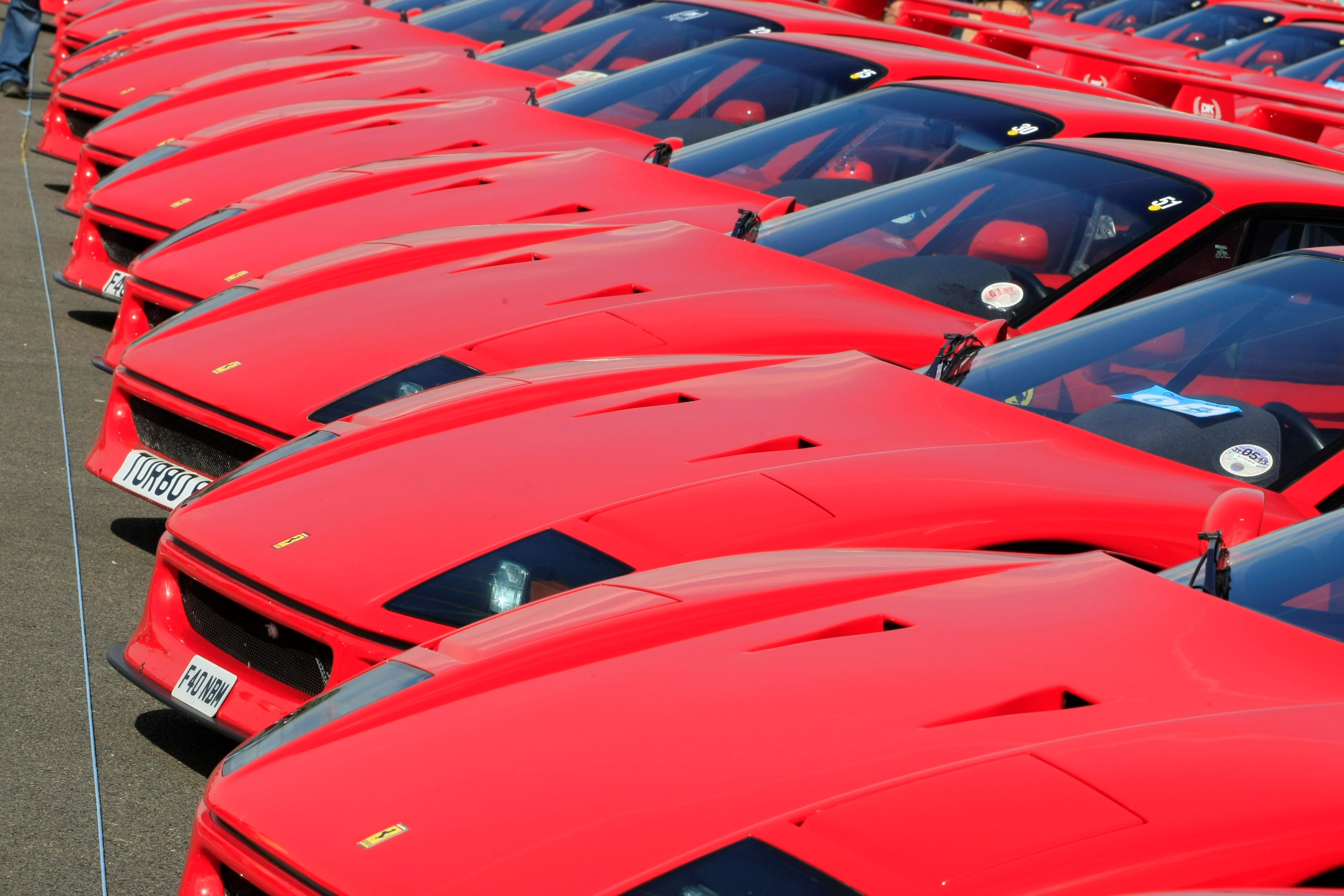 Revenues at Ferrari have jumped to £1bn as the super-rich buy luxury sports cars