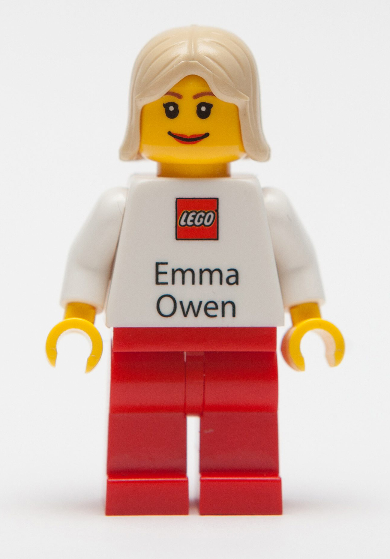 Best cards in the business! Lego staff get personalised FIGURES for ...