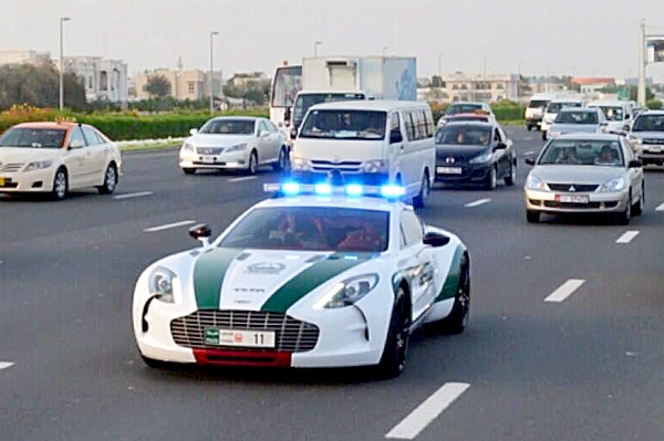 A McLaren supercar on police patrol in Dubai