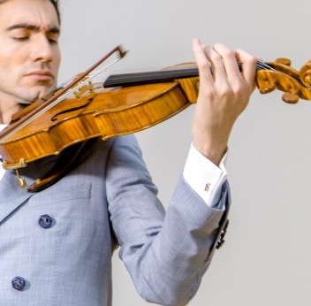 David Aaron Carpenter plays 'The Macdonald' Stradivari viola which is expected to sell for £30million