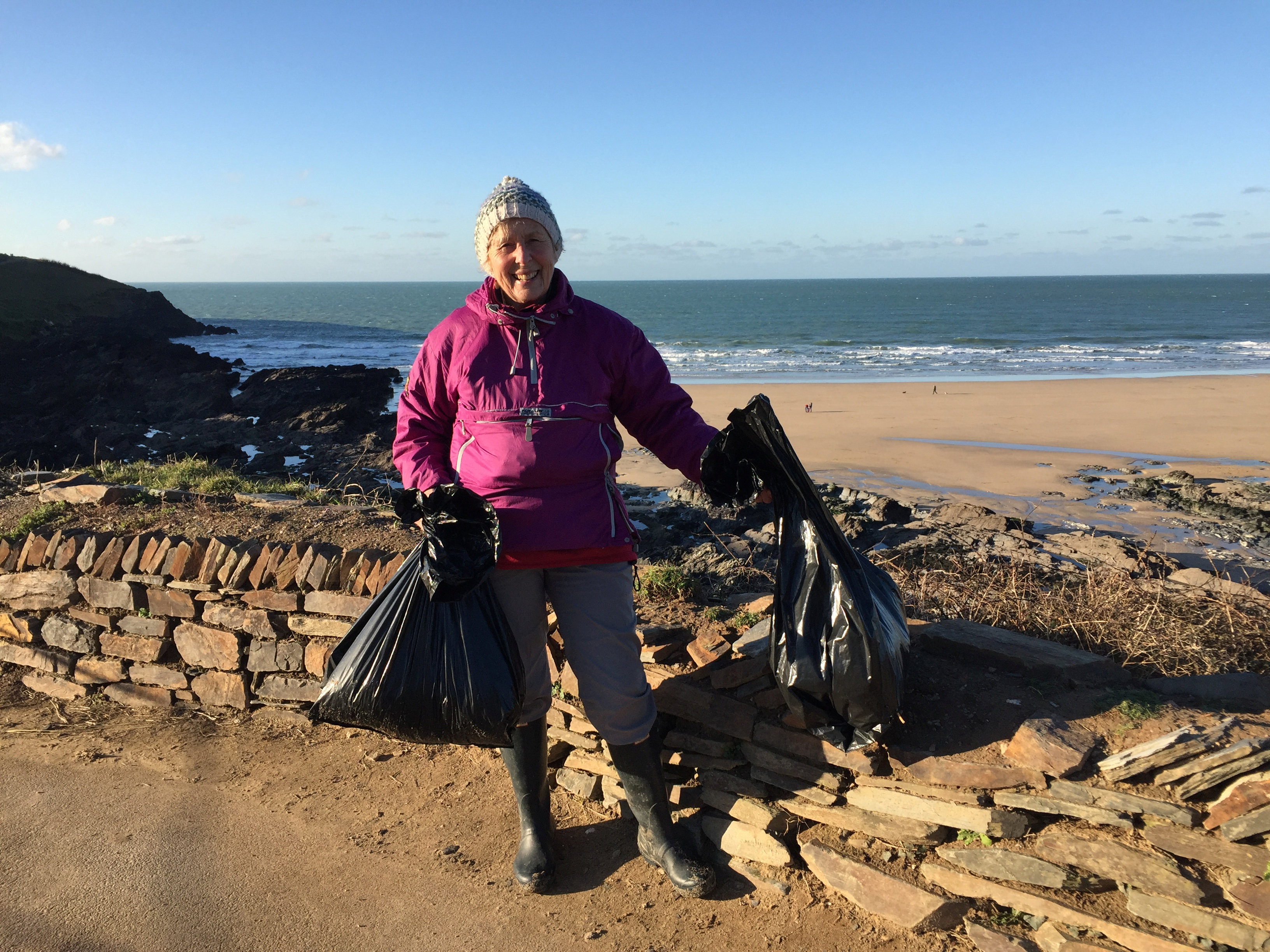 Woman Spends An Entire Year Cleaning Plastic Off 52 Beaches