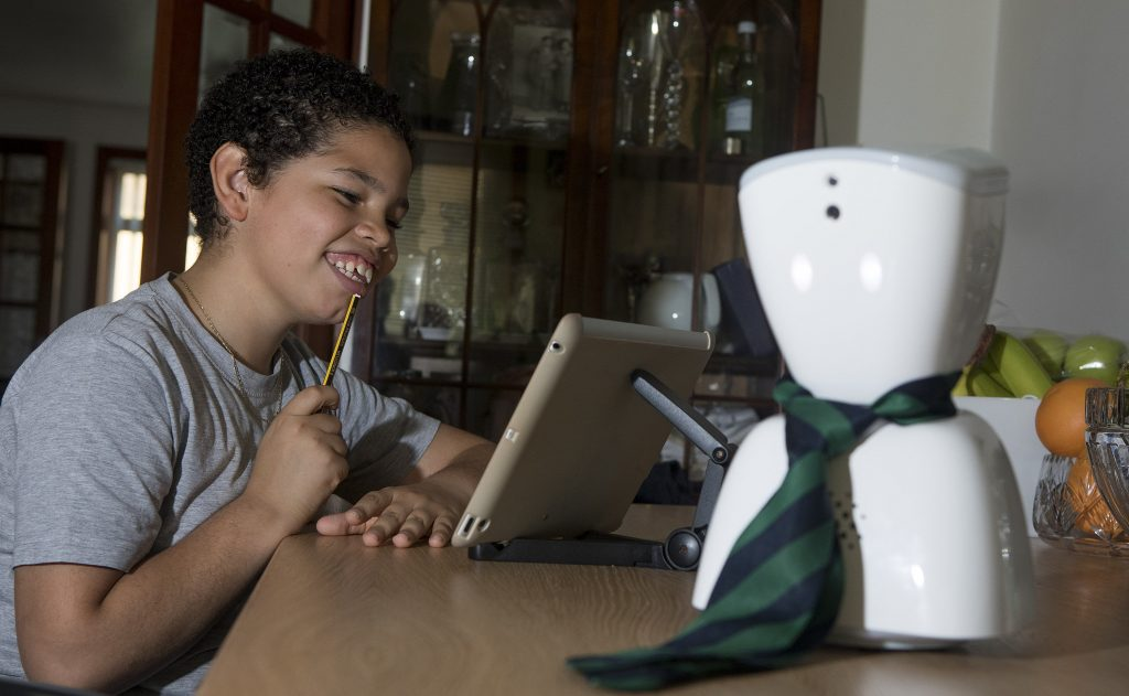 robot-in-school-42518