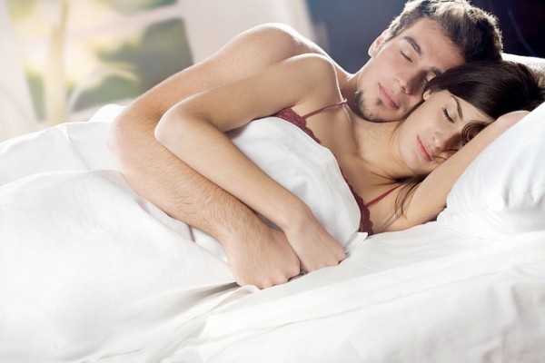 Men prefer sex in the morning while women like it late at night, a study has found