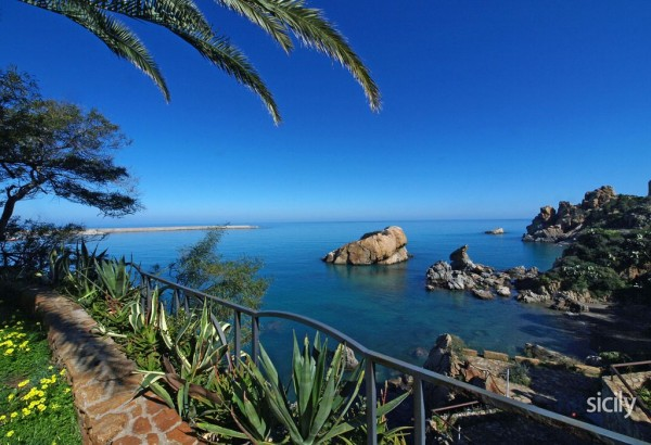 The stunning view from one of the apartments on HitSicily